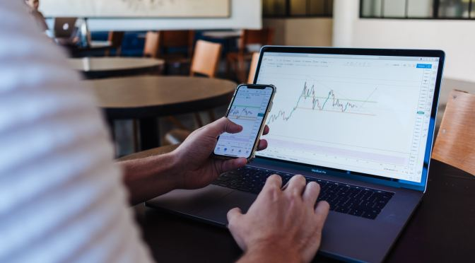 7 Best Stocks Investment Strategies To Minimize Risks